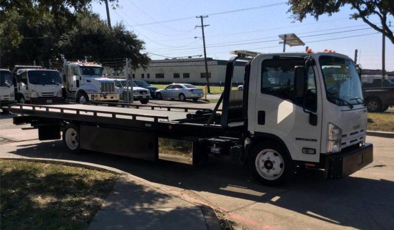 Isuzu CNG tow truck